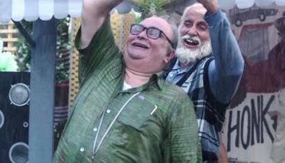 বাবাই বৃদ্ধাশ্রমে পাঠাবেন ছেলেকে '১০২ নট আউট' ছবিতে
